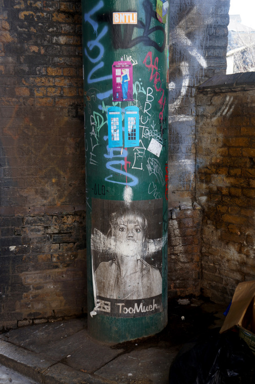 londongraf:  TOO MUCH