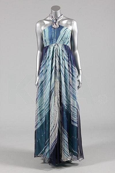 omgthatdress:  Dress Thea Porter, 1970s Kerry Taylor Auctions  This would be so awesome for the summer!
