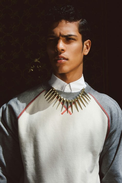 blackmalemodels:  cl9udco:  Shot by Que Duong Styled by Mike Stallings  Stunning!