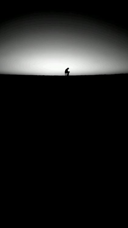 alone lonely dark blackandwhite b&w black and white photography yalnız siyahbeyaz karanlık tumblr teen