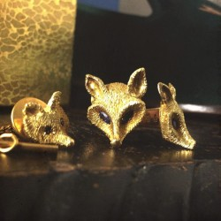 kieljamespatrick:  Birthday Present time! Solid gold Fox cufflinks!! 😍