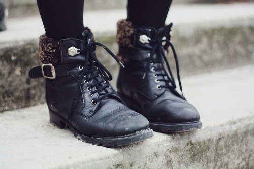 hermicent:  One girl, two shoes (by Charlotte-robin)