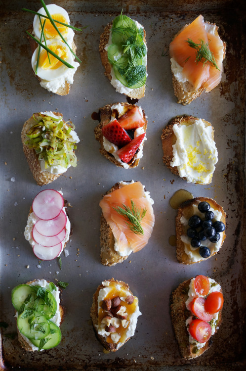 This is epic! riccota crostini