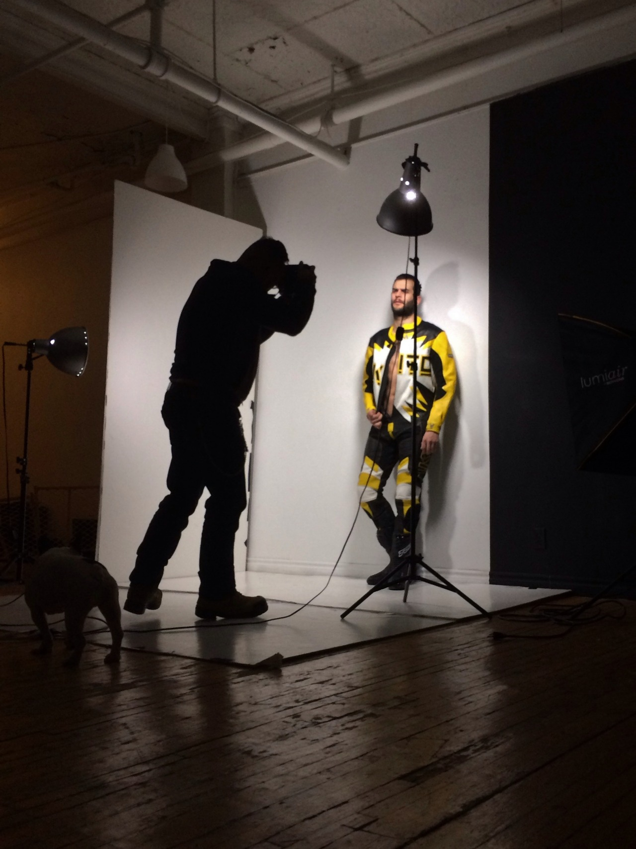 2018-06-04 05:23:12 - abeardedboy behind the scenes at the shoot with beardburnme http://www.neofic.com