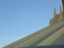 Space mountain roof by lslphoto on Flickr.