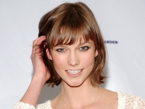 Lovely Karlie Kloss is gaining more attention for her new look which is now being called the Karlie.