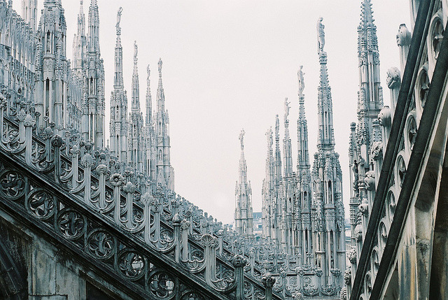 masadrewsuf:  vernandense:  untitled by dan.i.ela on Flickr.  Anor londo is REAL?