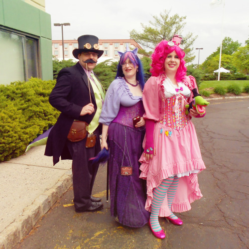 some costumes I loved from the Steampunk World's Fair 2013!!  top to bottom: Steamponies (AAAAAAAAHH I LOVED SPIKE and he said he was very sad there was no Rarity cosplayer that he could drop down on his knees and profess his love to, lol), Soup of the Day: The Tears of Our Enemies (ehehehehehehe), Planet of the Apes (the prosthetic was so good! it looked just like the same quality of the original movies!!), and VASH THE STAMPEDE