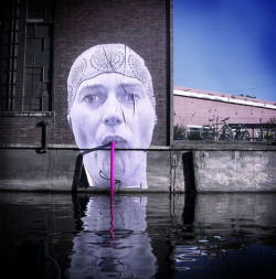 Street art by Berlin-based art collective Mentalgassi.