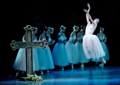 Svetlana Zakharova in Giselle (Photo: Martin Divisek)