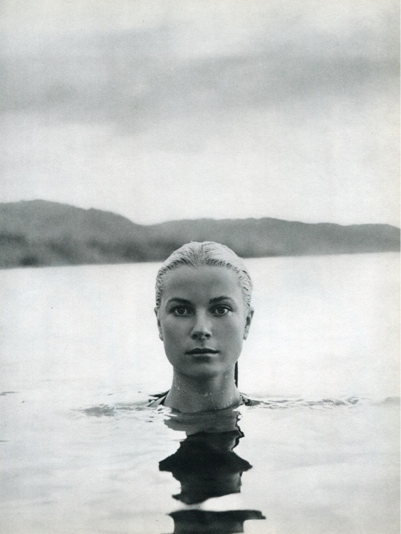 graceandfamily:  Grace Kelly. Portrait by Howell Conant. Jamaica, 1955.