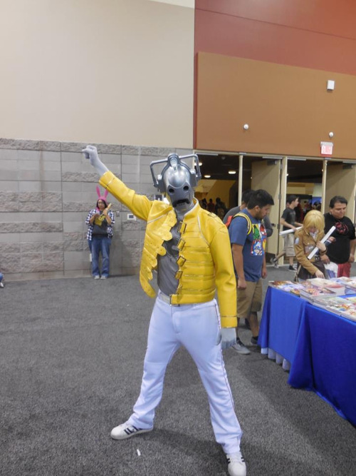 would-you-like-a-jelly-baby:  lovelylovelyruthie:  I'm burning through the sky yeah! Two hundred degrees That's why they call me Mister Fahrenheit I'm trav'ling at the speed of light I wanna make a supercyberman out of you  This guy's amazing!