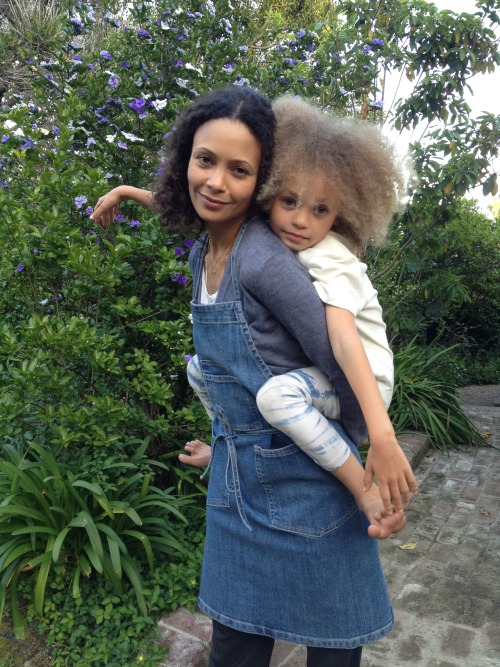 gradientlair:  Thandie Newton and her daughter, Nico.