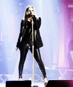 Avril Lavigne on Dancing With The Stars /May, 14