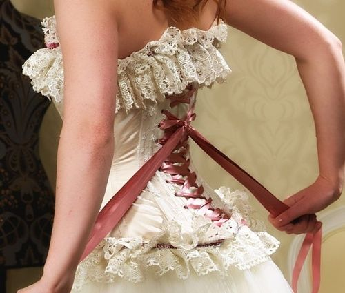 thecorsetauthority:  Bridal corset by Fairy GothmotherI love the colour of the ribbon specifically, great mix with the lace used-Aurelia