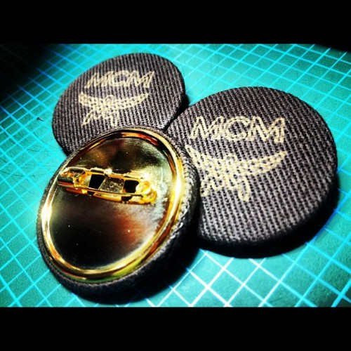 MCM GOLD BADGE👍 #junkmania #rightstuff #original #badge #fashion #dope #mcm #gold #japan #tokyo #trend #new