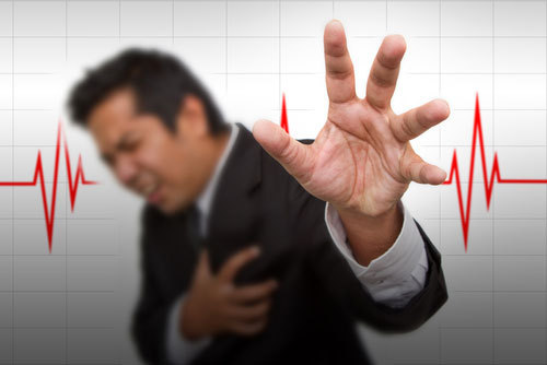 Single adults have greater heart attack risk      According to the study, single men and women were also more likely to die within 28 days of suffering a cardiac event.