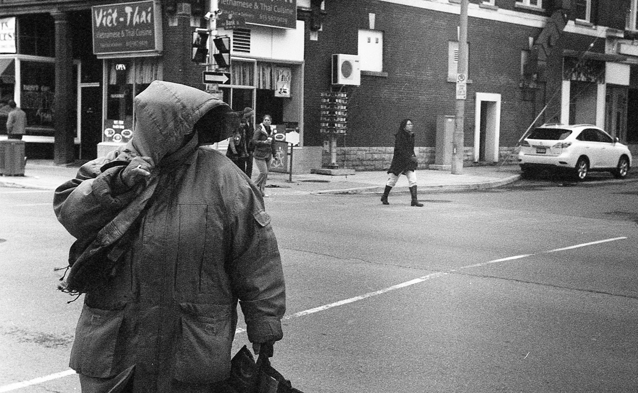 Bank Street / Ottawa, ON.Leica IIIc / Ilford XP2 Super 400 / Epson V500.April 2013.