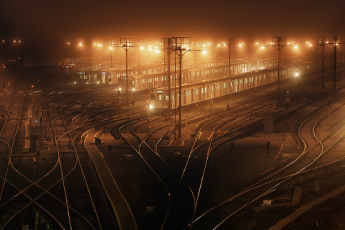 fuckyeahtoronto:  thehebrewhammer514: Night Train by ~EvidencE~ on Flickr.