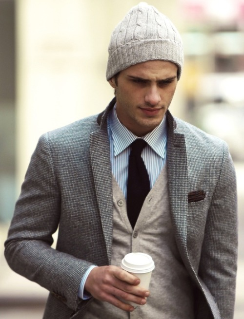maletrends:  maninpink:  Gota keep warm!   MALE TRENDS A blog about men's fashion, lifestyle & more.