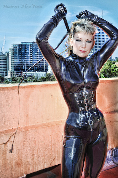 Mistress Alex Vicia in latex http://www.mistressalexvicia.com.au
