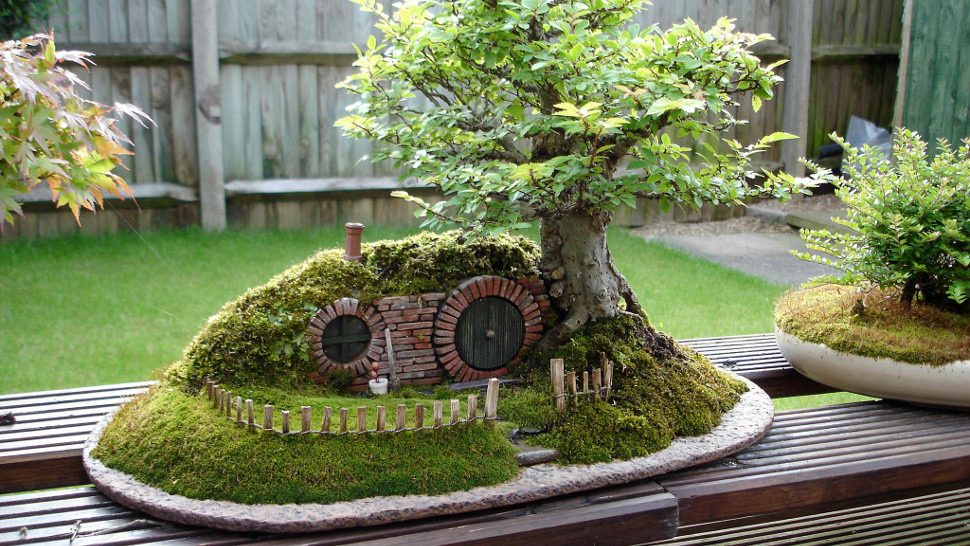 http://io9.com/a-baggins-bonsai-fit-for-a-pocket-sized-hobbit-456962292 This is some amazing work. I remember in college I did a workshop once where we trimmed bonsai trees. Mine ended up being naked by the end.