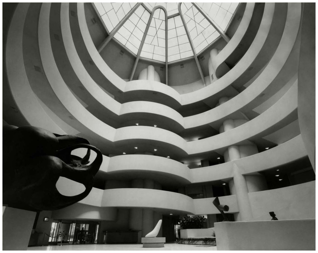 b22-design:  Guggenheim Museum - New York City - Frank Lloyd Wright - 1960