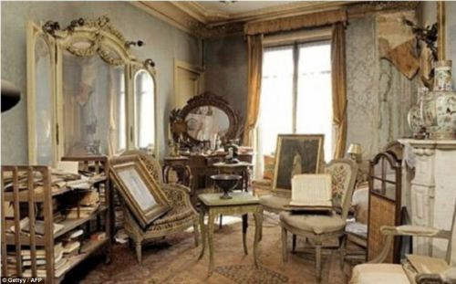(via Inside the Paris apartment untouched for 70 years: Treasure trove finally revealed after owner locked up and fled at outbreak of WWII | Mail Online)