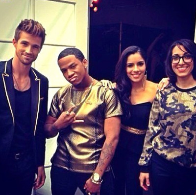 "josiahhawleyus:  ""Black and Gold! #TeamUsher"" (via @vedothesinger)"