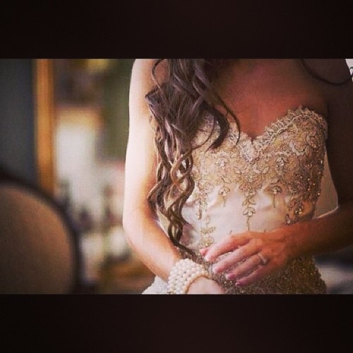 fashionbeautydesign:  #hair #hairstyle #longhair #waves #curl #dress #princess #fairytale #beads #beading #fashion #beauty #fashionbeautydesign  #girly  #beautiful