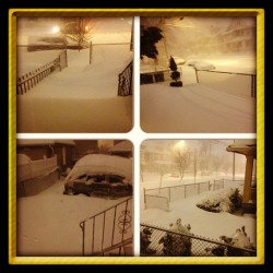 #instacollage so I checked outside to see what the deal is. #snowstorm #CT and 2 cars were stuck in the snow in front of the house 👀❄⛄
