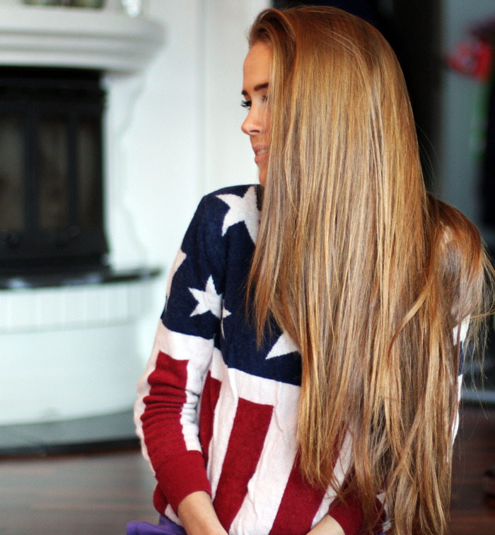 radical-kayla:  her hair and her sweater