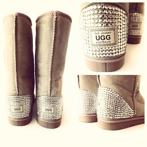 #uggs #uggsboots #swarovski #sparkly #diamonts #diamond #shoes
