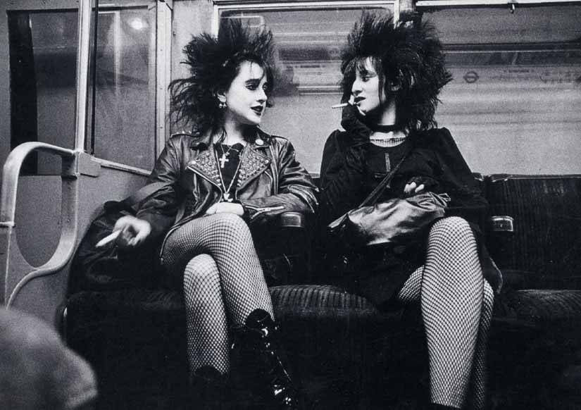 vintagemarlene:  punk girls in nyc, circa 1977 (via scarletbegonias.blogspot.com)