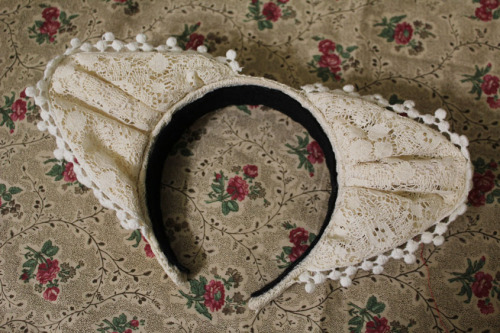 dolldelight:  I made lace kitty ears! [BLOG ENTRY]