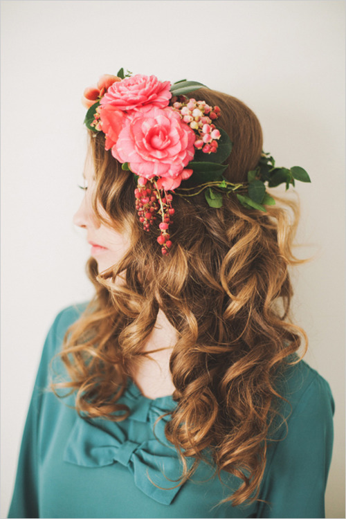 grayskymorning:  Fresh Floral Headpieces