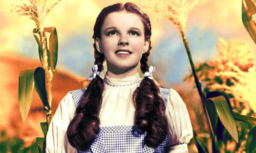 (via MovieNews | Judy Garland's actual Dorothy dress comes to Ireland - entertainment.ie)