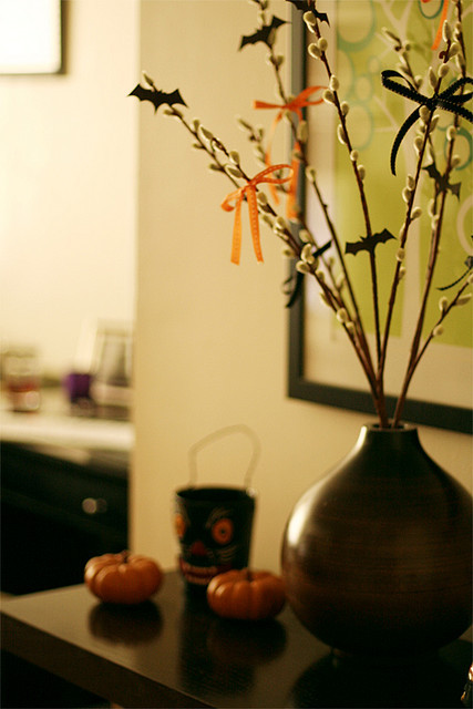 enchanting-autumn:  Halloween Table by Brit Godish on Flickr.