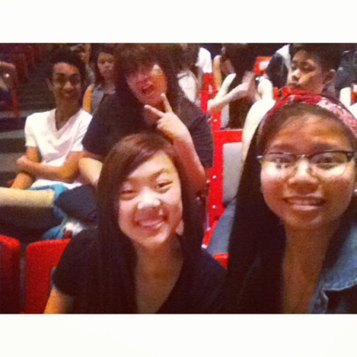 At the McNally Theatre with @rjontherocks @stinaphooey @bxrnvlinxmvrix_  @dtolentinoo ; Late upload 🎶🙌😁