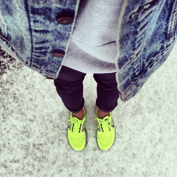 Shoe game fucked up #whereistand #nike #freeruns #Portland #snow (at Mount Scott)