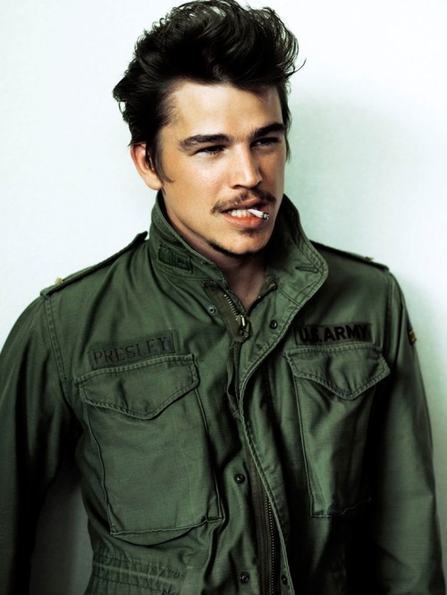 holy mackerel josh hartnett suddenly lookin hot for no reason