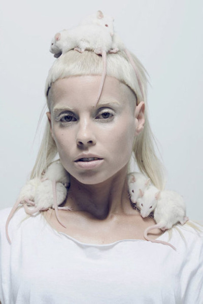 deaddreamers:  yolandi