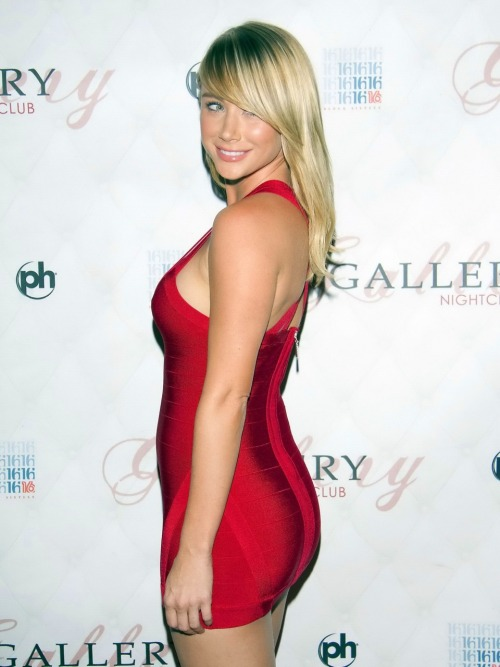 Sexy Lady in Red&#160&#187 Sara Jean Underwood &#171@PamPussy