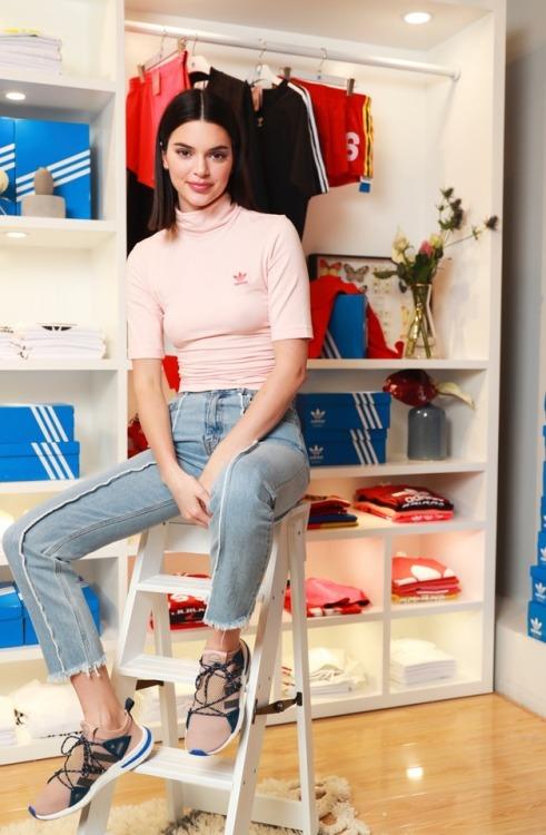 Kendall Jenner adidas originals arkyn