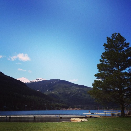 Blue skies and sunshine #whistler #lake #sunshine #lovely #day