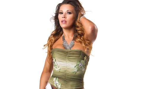 New ImpactWrestling.com photoshoot feat. Mickie James: click here.