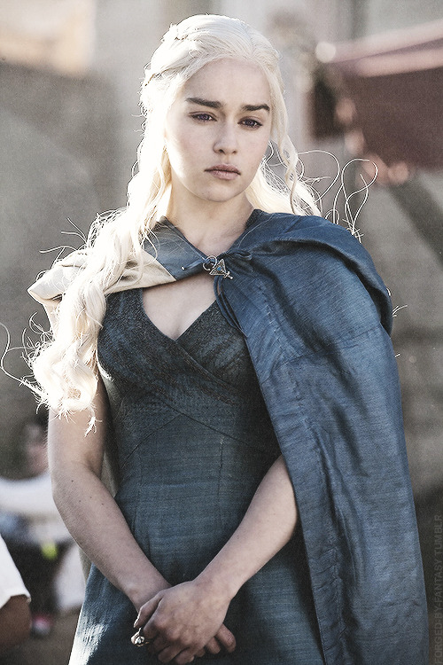 If I look back I am lost, Dany told herself the next morning as she entered Astapor through the harbor gates. She dared not remind herself how small and insignificant her following truly was, or she would lose all courage.