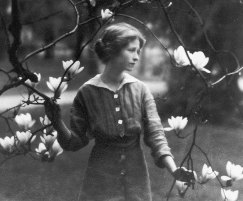 siennajune:  Edna St. Vincent Millay was the first woman to win a Pulitzer Prize for poetry. She was openly bisexual and had affairs with other women and married men. When she finally married, hers was an open marriage. Her 1920 poetry collection A Few Figs From Thistles drew controversy for its novel exploration of female sexuality. She was one of the earliest and strongest voices for what became known as feminism. One of the recurring themes of her poetry was that men might use her body, but not possess her or have any claim over her. (x)