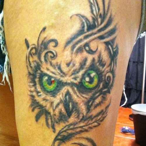 Owl I tattooed on @dddanielledddax  tonight #owl #ink #tattooedgirls #tattoos
