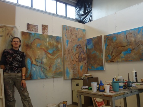 Sneaky peep into my studio yesterday. I ve started to work on a next painting to couple it up with Egyptian woman. she will get male company soon.